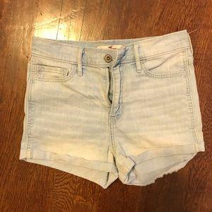 Hollister High-waisted Shorts (Light Wash)